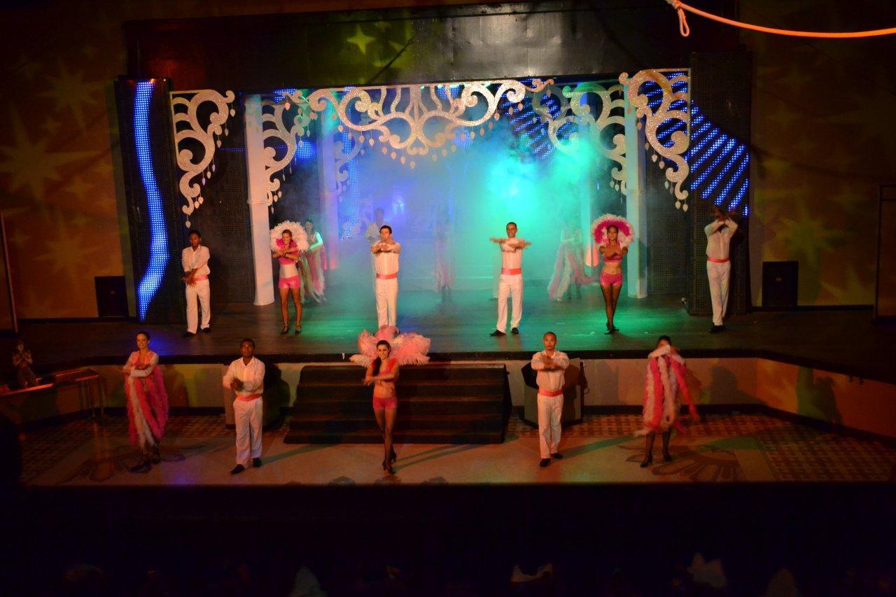Club Med Revue