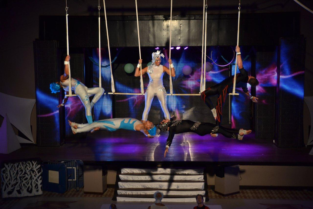 Five Trapeze Act